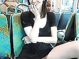 Nackt Muschi Shots Bilder von Cute Girlfriend in Public Bus