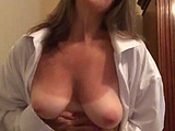 Horny cougar loves sending nude photos to younger lovers